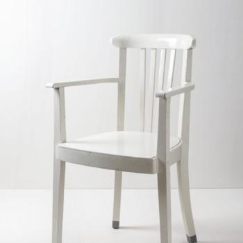 Armlehnstuhl Josefa | Armlehnstuhl mit Patina, hohe Rückenlehne, Frankfurter Stuhl, Wiener Avantgarde. | gotvintage Rental & Event Design