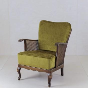 Stylish vintage furniture for rent