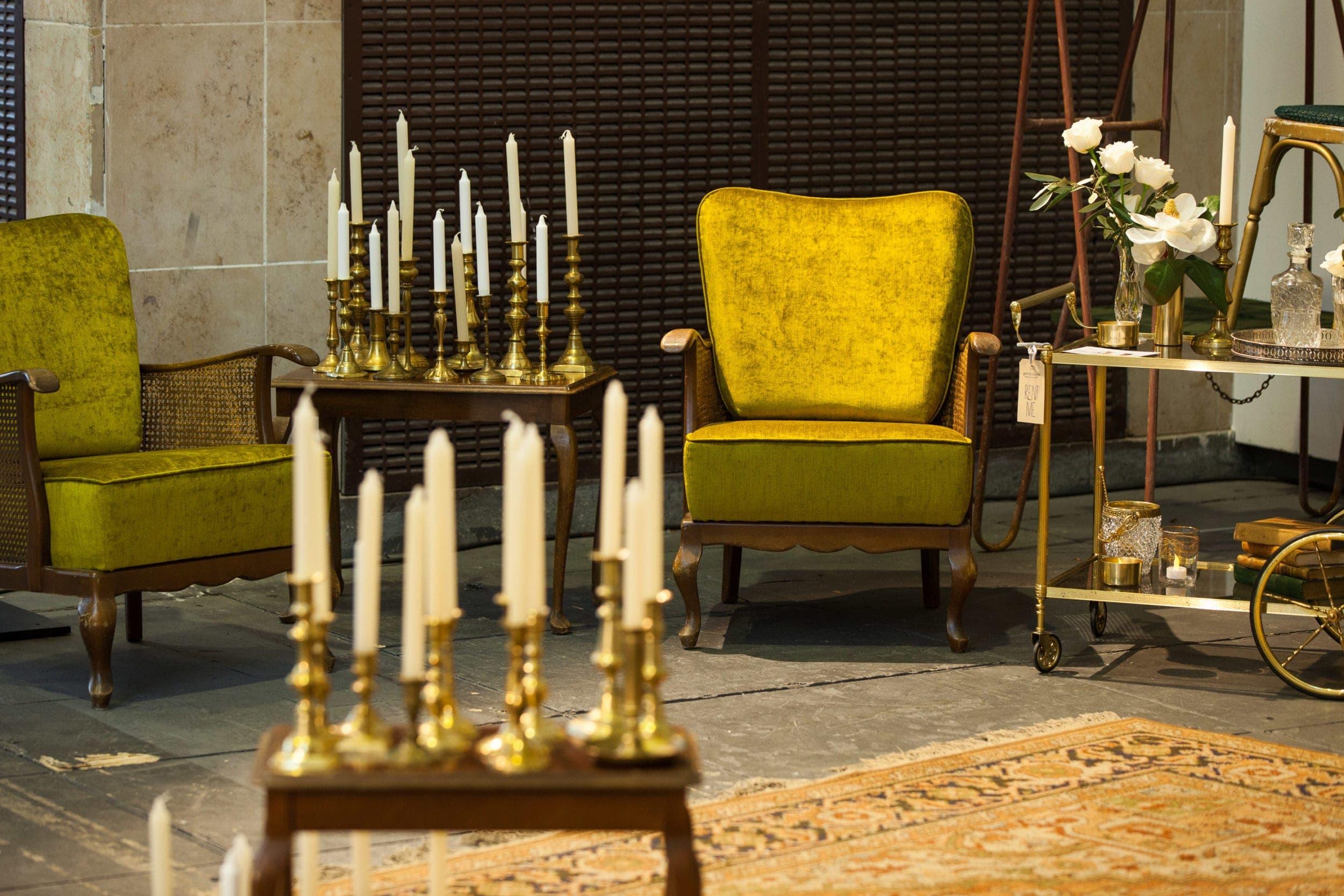 Sessel, Couch und Tische mieten