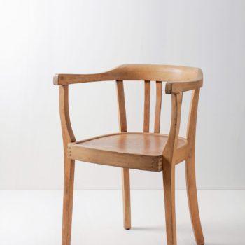 Armlehnenstuhl Ramon | Bequemer Armlehnenstuhl für langes Sitzen. | gotvintage Rental & Event Design
