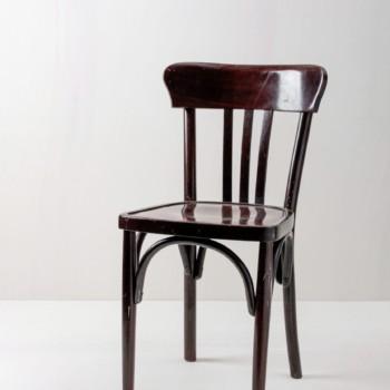Bugholzstuhl Felipe | Stuhl aus Bugholz. Typischer roter schimmer. Sehr edel. | gotvintage Rental & Event Design