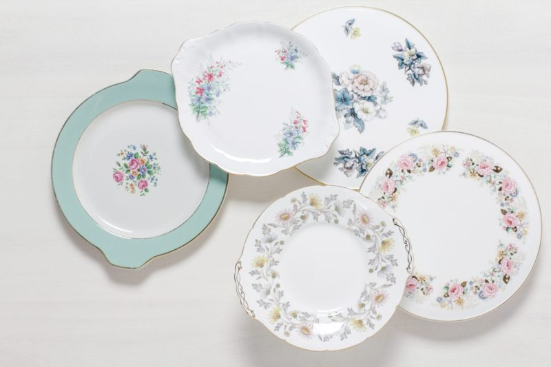 cake layers, cake plates, cake stands for rent