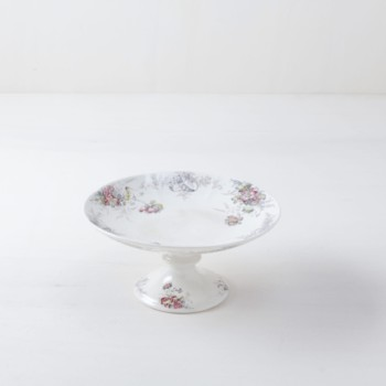 rental dishes, buffet accessories for rent ,cake plates, floral motifs, rent