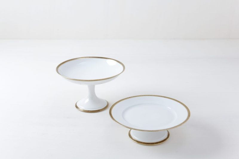 Cake Stand Set Kesara Gold | Set of two cake stands with golden details. | gotvintage Rental & Event Design