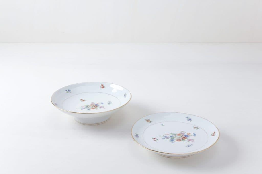 Tortenständer Set Tamara Floral | Zwei zueinander passende Kuchenständer mit Blumenmuster. | gotvintage Rental & Event Design