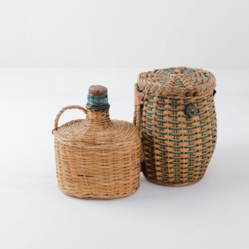 Carboy and Basket Set Damian | Carboy with rattan cover and a matching basket. Nice colouring. | gotvintage Rental & Event Design