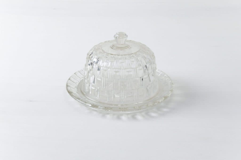 Käseglocke Ava Glas | Ein Käseteller aus Glas mit einer Kuppel. | gotvintage Rental & Event Design