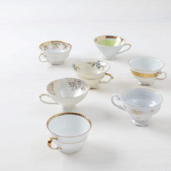 Tasse Margarita Gold Mismatching | Vintage, unterschiedliche Grössen und Formen, überwiegend golden. | gotvintage Rental & Event Design