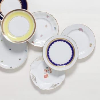 Kuchenteller Alicia Mismatching | Mismatching vintage Kuchenteller, funktioniert auch super als Vorspeisenteller. | gotvintage Rental & Event Design
