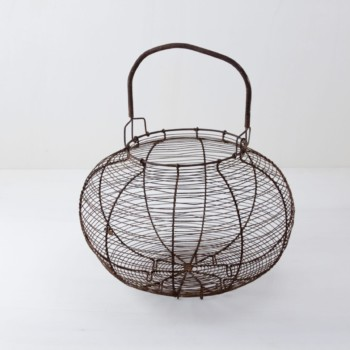 egg basket, baskets, bast basket, decoration Berlin, Hamburg, Cologne