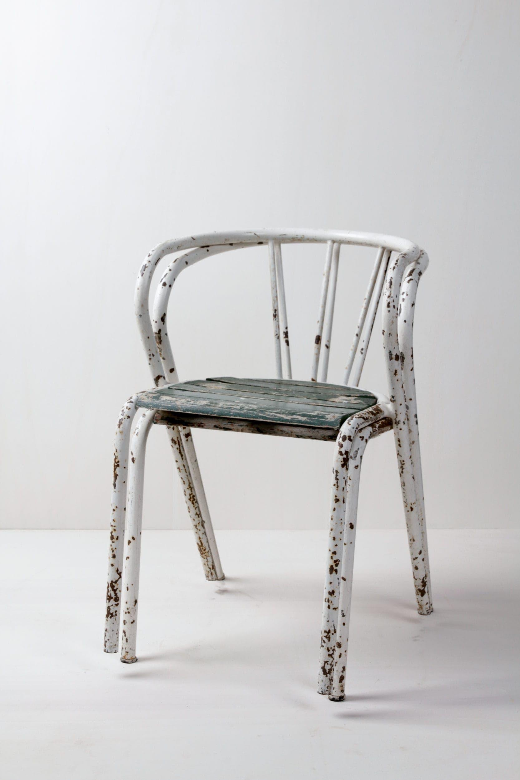 Vintage Stühle, Gartenstühle aus Metall, Holz zu mieten