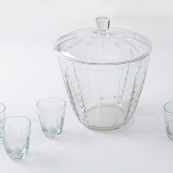 Glass Punchbowl Rosalinda | The perfect container for mixing and serving your next punch. 