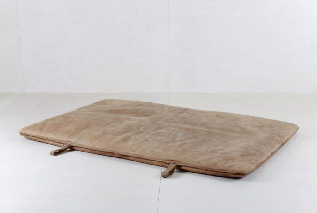 Gymnastics Mat Bartolo | These old leather gymnastic mats give a special look to every lounge. In combination with our  vintage pallets Sergio you can create a nice lounge element with side table to put down a drink. | gotvintage Rental & Event Design