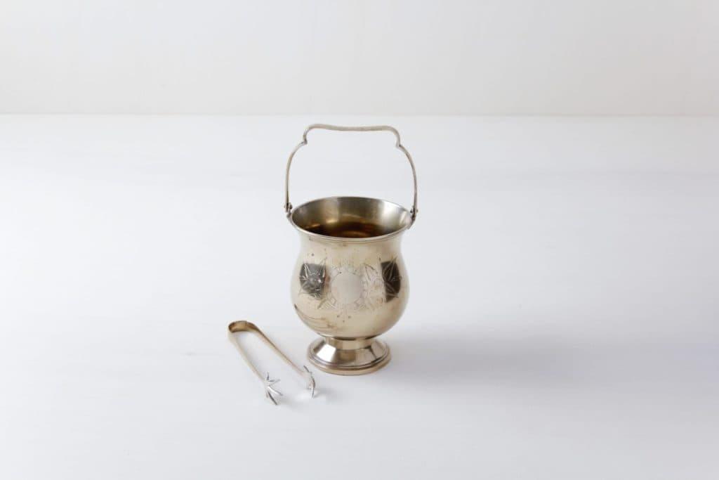 Eiswürfelbehälter Consuelo   Sehr zarter silberner Eiskübel mit Zange.   gotvintage Rental & Event Design
