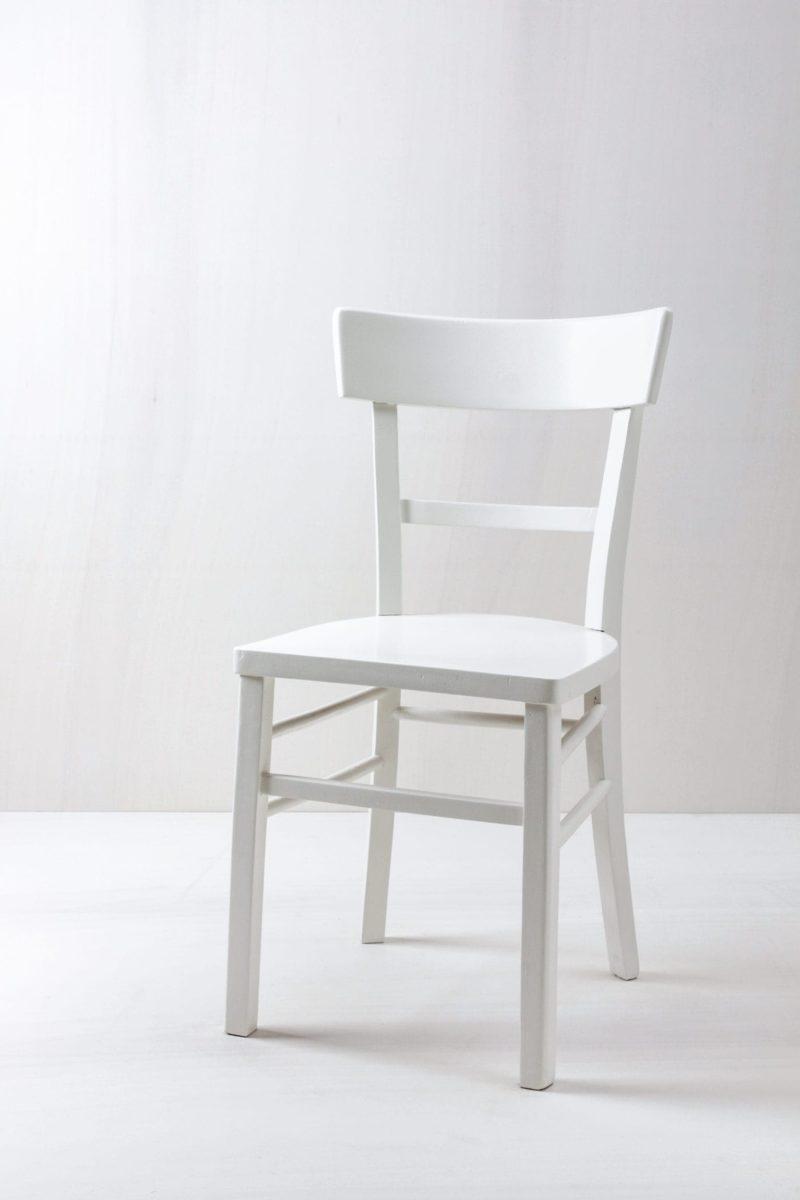Küchenstuhl Esperanza | Vintage Küchenstuhl. Weisse seidenmatte Lackierung. | gotvintage Rental & Event Design
