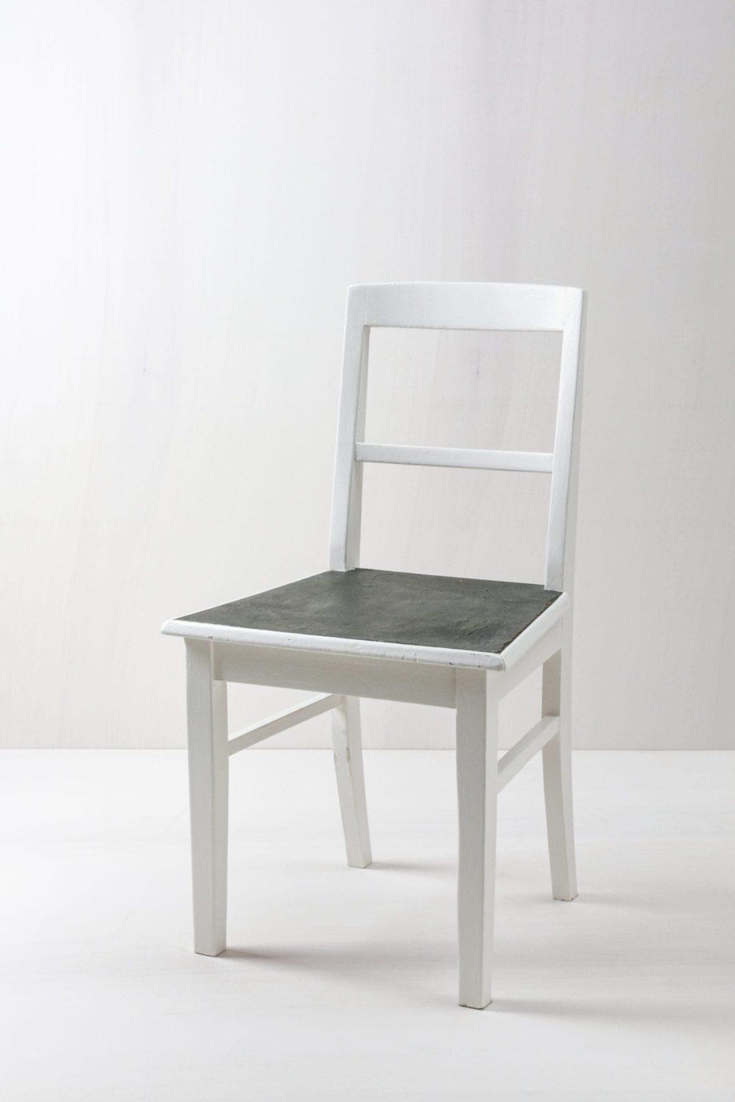 Kitchen Chair Josefina | Plain kitchen chair, grey seat, white finish. | gotvintage Rental & Event Design