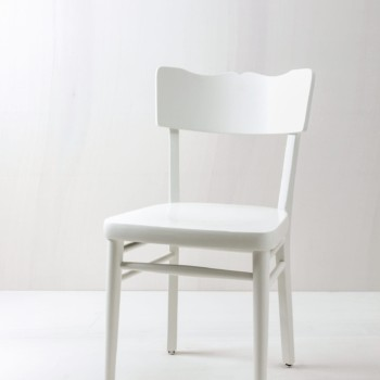 Online Vintage furniture, tables, chairs for rent