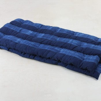 Mattress Veto Indigo | This soft overlay mattress covered with handwoven Indigo hand-dyed cotton originates from Guinea. For your lounge or outdoor event. | gotvintage Rental & Event Design