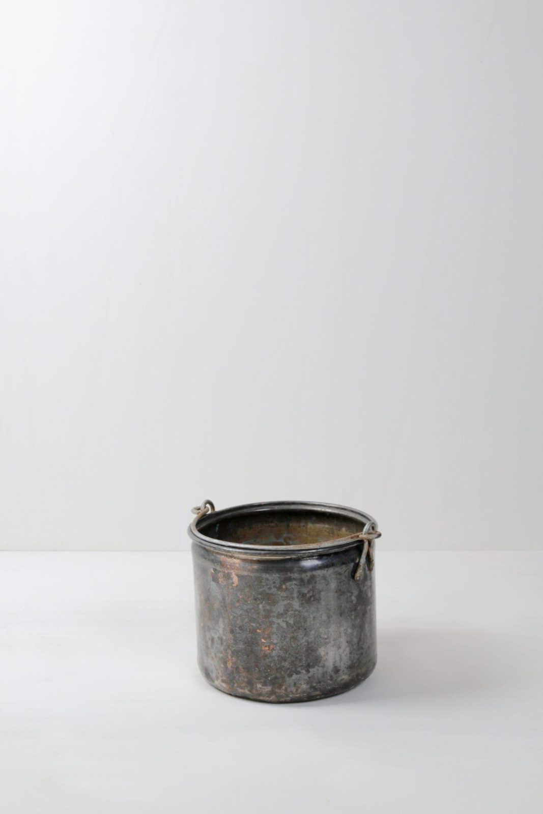 Metal Bucket Anita | Real Patina. Very beautiful colouring and a bronze sheen. Perfect for arranging decoration. | gotvintage Rental & Event Design