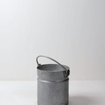 Metalleimer, Metallwannen, Metallstühle, Metalltische mieten