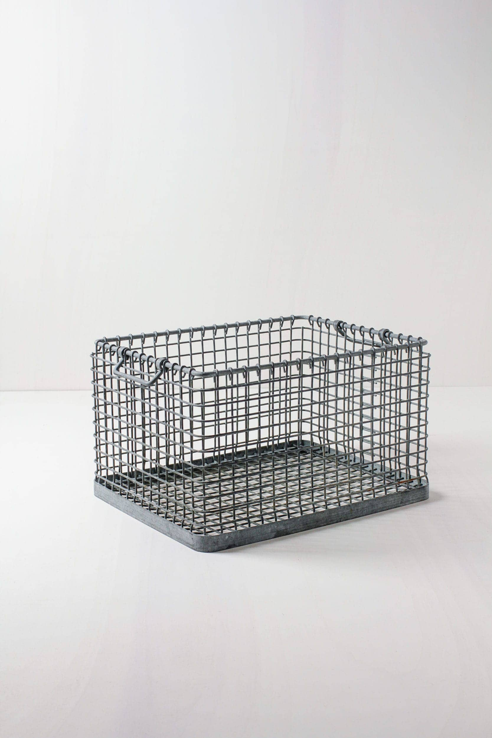 Eventdekortion mieten, Metallkörbe, Kisten und Truhen