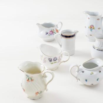 Milchkännchen im Mismatching-Stil zu mieten, vintage Geschirr
