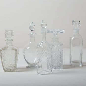 Kristallglasflaschen Adima | Vintage Likör- und Whiskeyflaschen, sehr gut geeignet für Lounge-Situationen oder den Barwagen. | gotvintage Rental & Event Design