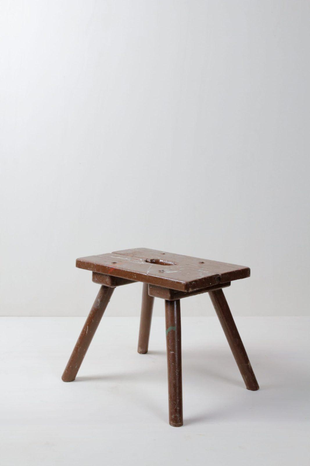 Kleiner Holztritt Jonas | Kleiner Tritt aus Holz. Sehr schön zum Blumen arrangieren oder allgemein zur Dekoration. | gotvintage Rental & Event Design