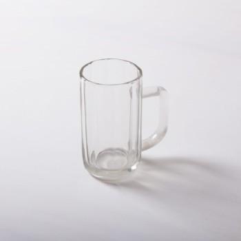 Bierkrug Ambrosio 0.4l | 1950er Jahre Glas-Bierkrüge mit Eichstrich. Robust und in großer Stückzahl vorrätig.Auch als 0,2l Krug zu haben. | gotvintage Rental & Event Design