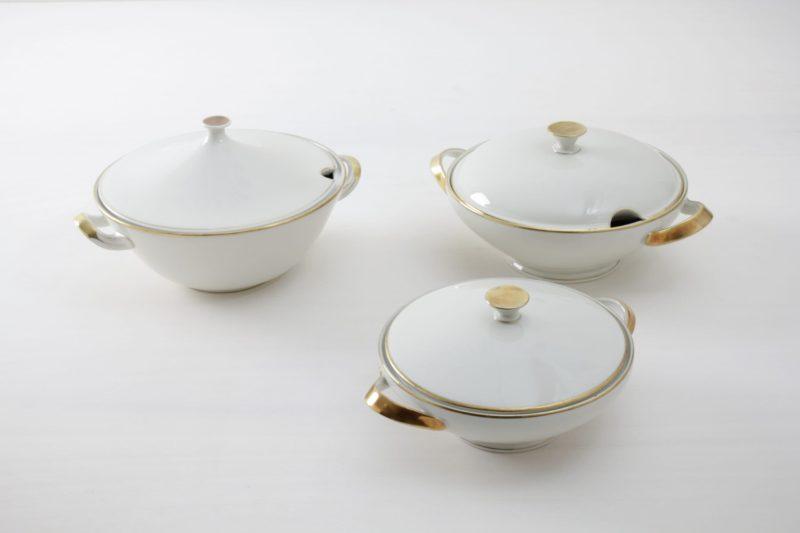 Vintage gold rimmed tableware, rental tableware Berlin