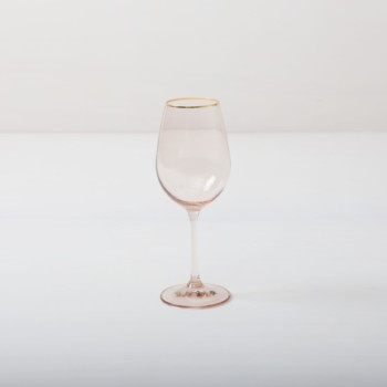 Wine Glass Acadia Blush Gold Rim 35cl | This wine glass with gold rim and slightly tinted light pink glass adds to every dinner or reception. You can use it for red wine, water or just any drink. Obviously, you can just drink water from it, too. The full set contains water tumbler, white wine glass, red wine glass, champagne flute and champagne coupe. | gotvintage Rental & Event Design