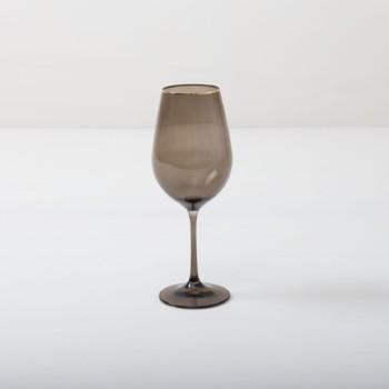 Weinglas Acadia Smoke Goldrand 45cl | Unser Weinglas mit Goldrand und dem Rauchglas Look gibt jedem Dinner etwas Besonderes. Du kannst dieses Glas als Rotweinglas, Wasserglas oder für Drinks nutzen. Natürlich kann man daraus auch einfach nur Sodawasser trinken.Die komplette Serie mit Rauchglaseffekt enthält, Wasserbecher, Weißweinglas, Rotweinglas, Sektglas, Champagnerschale. | gotvintage Rental & Event Design