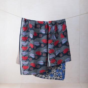 Decke Palma | Vintage Stoffe in neue Form gebracht sind diese Baumwolldecken zum Warmhalten bei einem einem Picknick oder als Sitzunterlage für die Wiese. | gotvintage Rental & Event Design