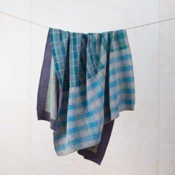 Decke Pedregal | Vintage Stoffe in neue Form gebracht sind diese Baumwolldecken zum Warmhalten bei einem einem Picknick oder als Sitzunterlage für die Wiese. | gotvintage Rental & Event Design