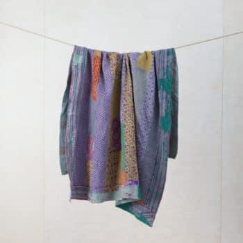 Decke Pluma | Vintage Stoffe in neue Form gebracht sind diese Baumwolldecken zum Warmhalten bei einem einem Picknick oder als Sitzunterlage für die Wiese. | gotvintage Rental & Event Design