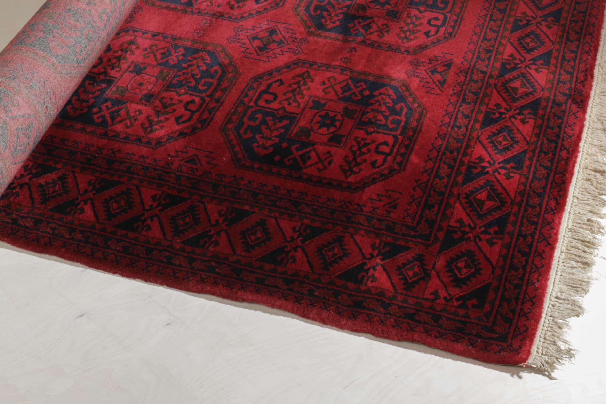 Teppich Espinillo | Wunderschöner, gut erhaltener Teppich: weich, dick und gemütlich. | gotvintage Rental & Event Design