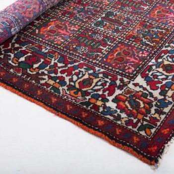 Carpet Saucelito | This noble, well-preserved oriental rug is perfect for a grand entrance: whether it's the romantic garden picnic or the cozy seating area at your event, this large, soft rug makes every room and meadow unique. It is particularly impressive in combination with our other carpets, allowing you to design a whole room beautifully. | gotvintage Rental & Event Design
