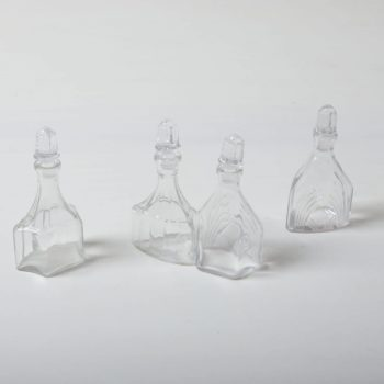 Crystal Glass Bottles Abital | In the past, vinegar and oil were served in these romantic crystal carafes. In their new lives these small flasks still look great on the table; they now serve as vases for meadow flowers and elegant grass leaves. It doesn't matter if placed individually or in groups.