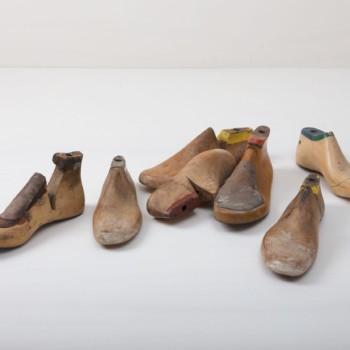 Schusterleisten Fortin Holz Vintage | Ein echter Hingucker sind diese original Holzleisten, in allen möglichen Größen zu haben, von Mann über Frau zu Kind. | gotvintage Rental & Event Design