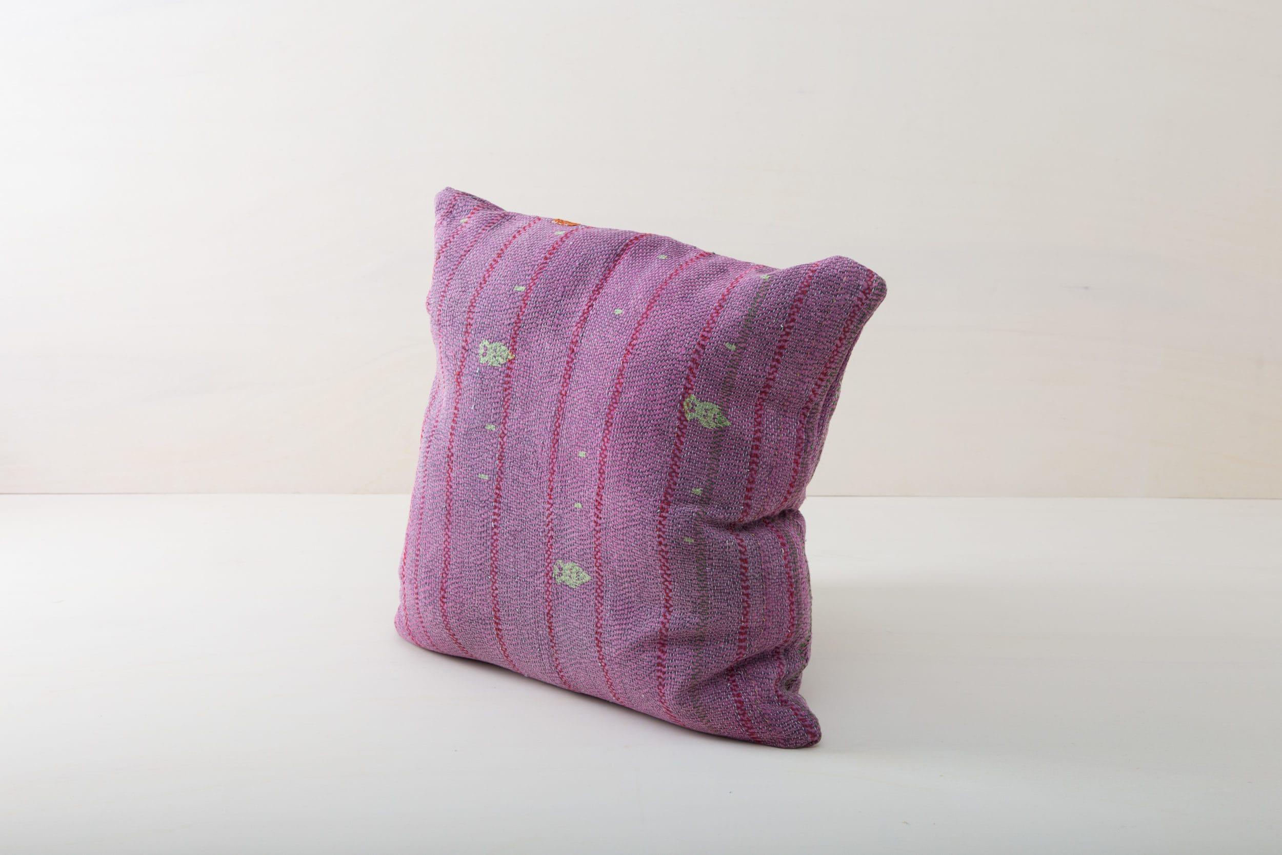 Event Dekoration zu mieten, Kissen, Decken, Teppiche