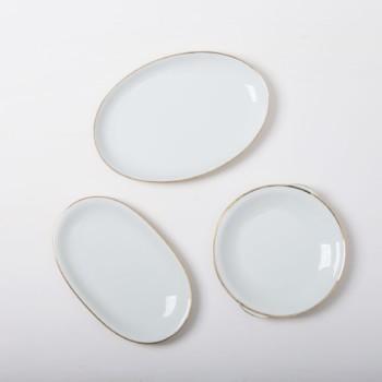 Weißes & Elfenbeinfarbenes Geschirr zu mieten
