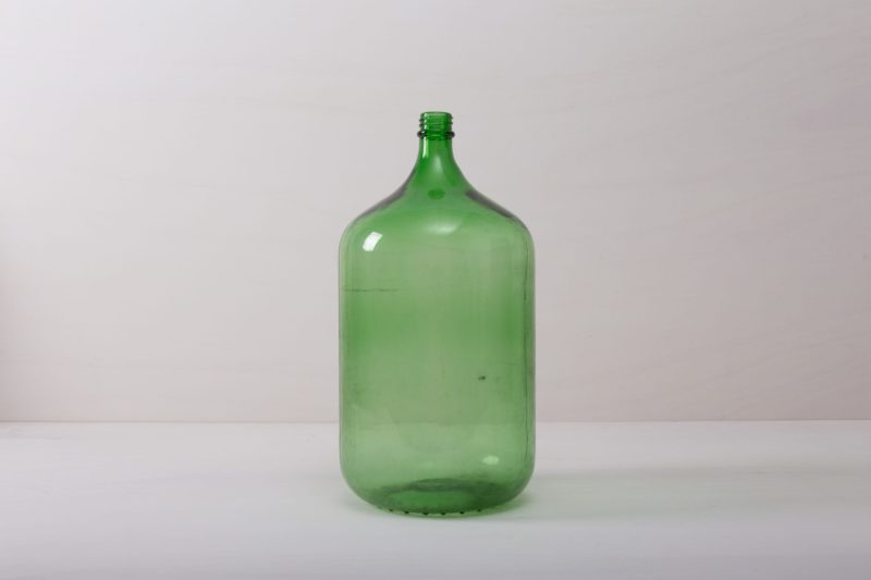 rent this glass vase for your event.