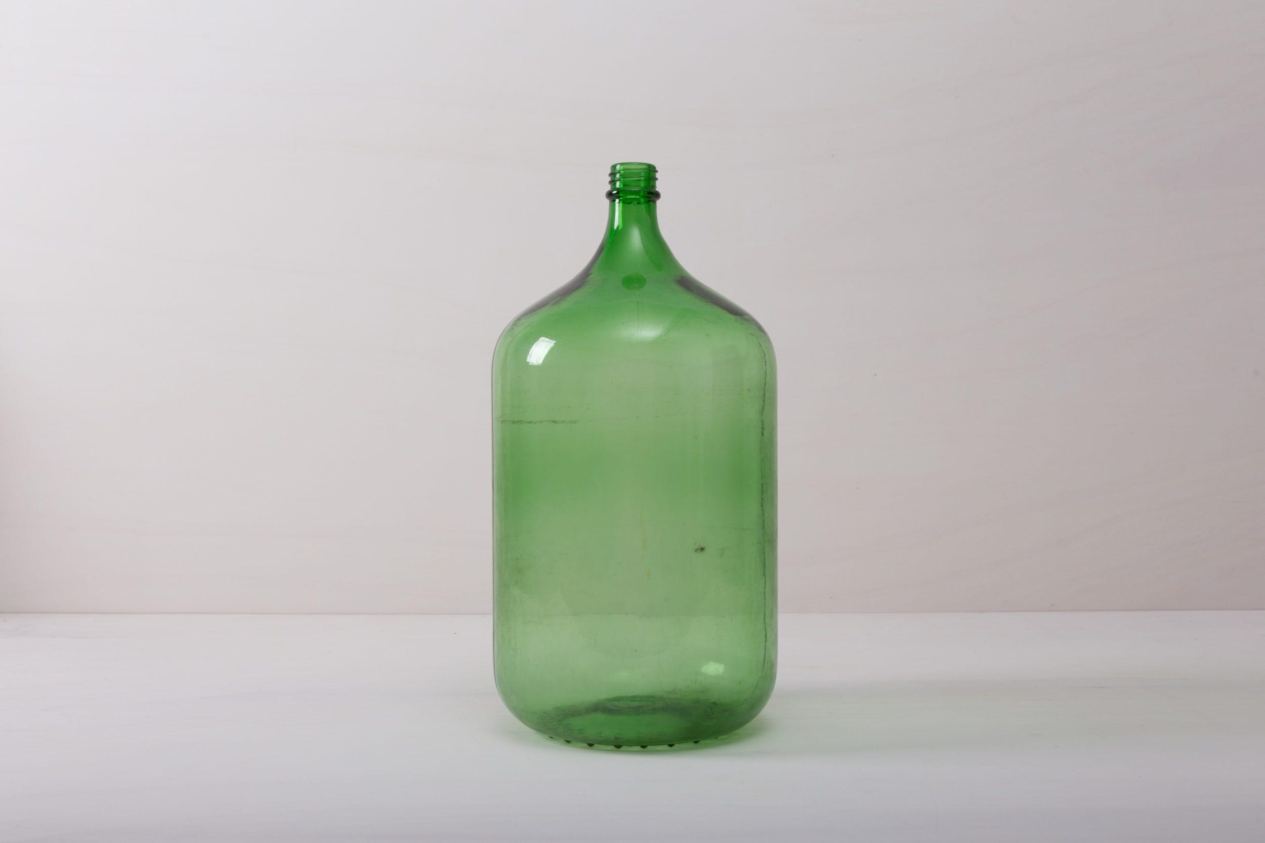 Glasvase grün mieten.