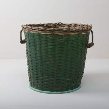 green basket, rattan, product presentations, exhibition stand, event styling, flower decoration