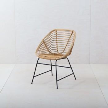 Möbelverleih, Vermietung von Korbstuhl, Holzstühlen, Vintage Modern