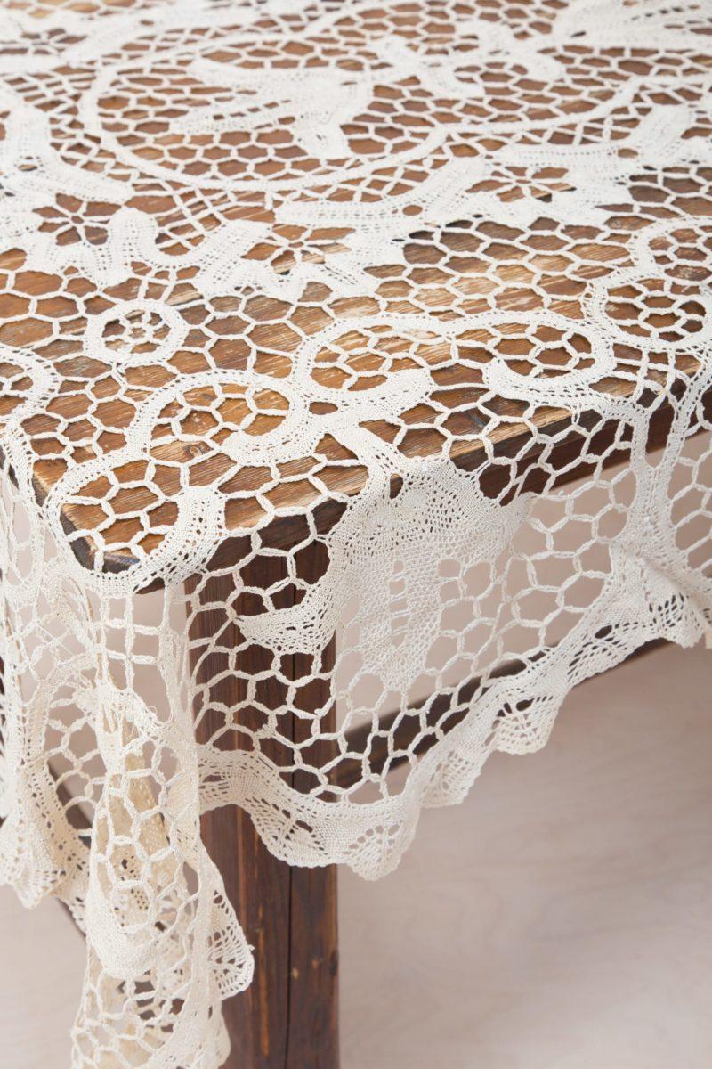 Tablecloths, lace doily, rent, linen rental, Berlin