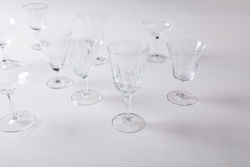 Rental of vintage glasses, tableware and decoratio
