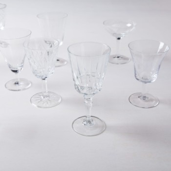 Aperitif Glass Patricia Mismatching | These gorgeous, stylish vintage aperitif glasses are clearly a must-have and can be rented in large numbers. Some glasses are decorated with playful patterns, others have an elegant design with gold rim. The vintage glasses of the Patricia series are a lovely collection in different sizes and shapes.A nice aperitif glass is essential to get you in the right mood for a great dinner. | gotvintage Rental & Event Design