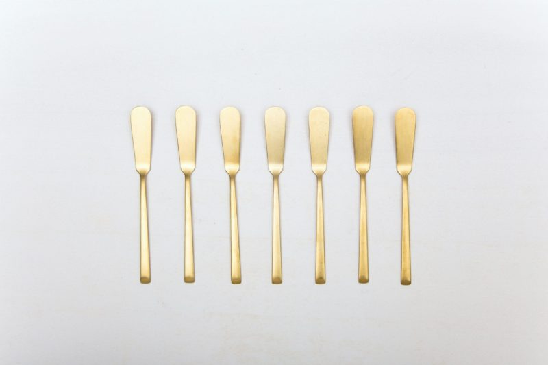 Butter Knife Ines Cutlery Gold Matt | Matte golden PVD-coated stainless steel butter knife of classic design and with a nice look and feel. 