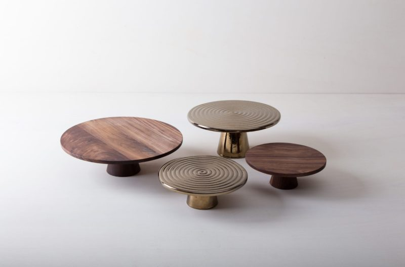 | The high-quality food stands Alba are ideal for presenting and serving cakes, cupcakes, tapas and other delicacies on the table or at the modern buffet. They were made of high quality terracotta and covered with shiny lacquer, of course, food safe.This cake stand or fruit tray is available in different sizes and also as the same model Leonor from selected walnut wood. They can be wonderfully combined and varied. |